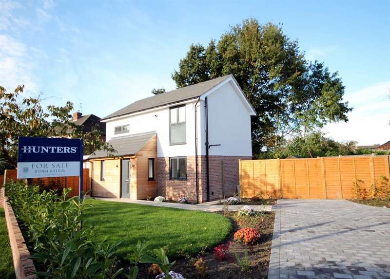 3 Bedrooms Detached House for sale in Water Lane, York, YO30 6PJ
