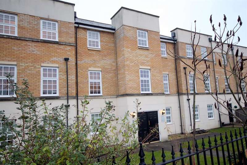 2 Bedrooms Flat for sale in Leeman Road, York, YO26 4WT