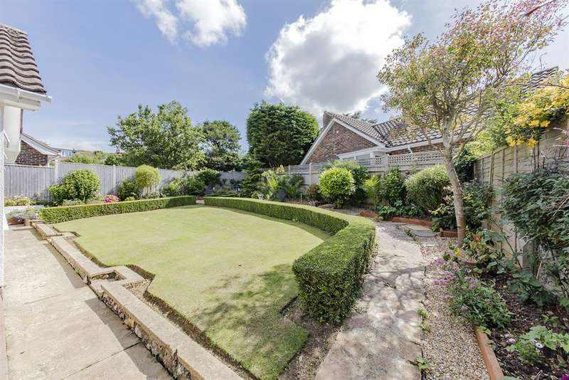 2 Bedrooms Detached House for sale in West Way, High Salvington, Worthing,
