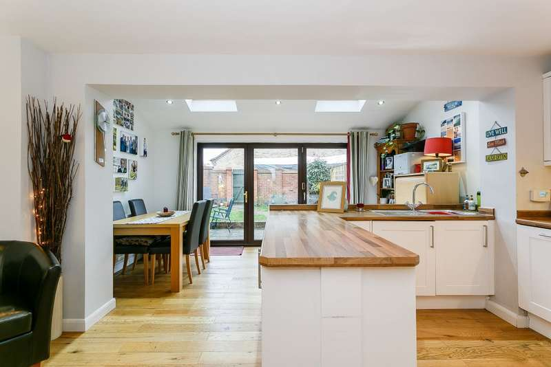 3 Bedrooms Semi Detached House for sale in Alpine Road, Redhill, Surrey, RH1 2LE