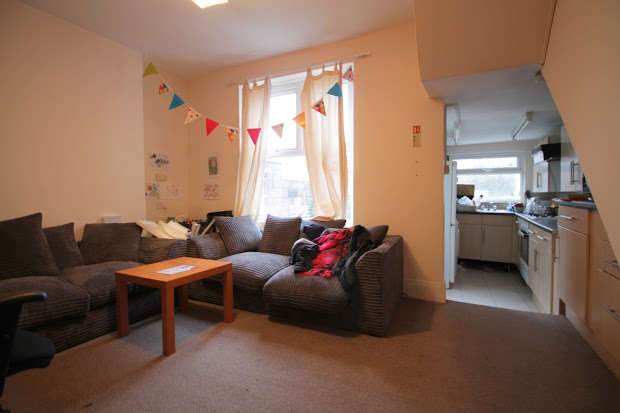 2 Bedrooms End Of Terrace House for sale in Rhymney Street, Cardiff, CF24