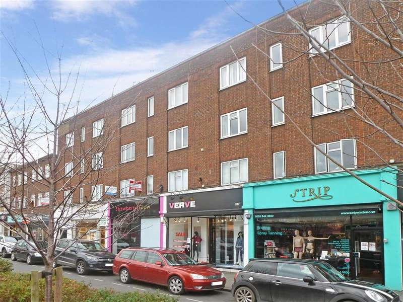 2 Bedrooms Flat for sale in High Road, Loughton, Essex