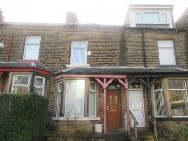 4 Bedrooms Terraced House for sale in Lister Avenue, East Bowling, Bradford, BD4