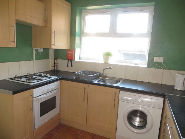 3 Bedrooms Terraced House for rent in Connaught Road, Kensington Fields, Liverpool, L7