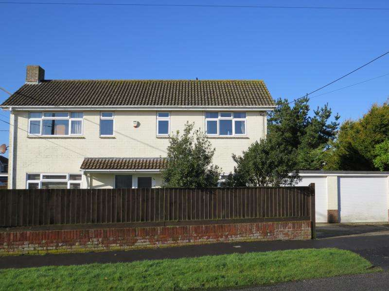 4 Bedrooms Detached House for sale in Easy Reach of the Cliff-Top