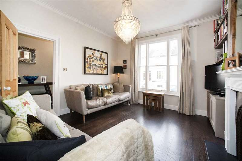 3 Bedrooms Maisonette Flat for sale in Askew Crescent, Shepherd's Bush