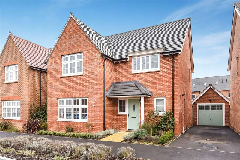 4 Bedrooms Detached House for sale in Goldcrest Road, Bracknell, Berkshire, RG12
