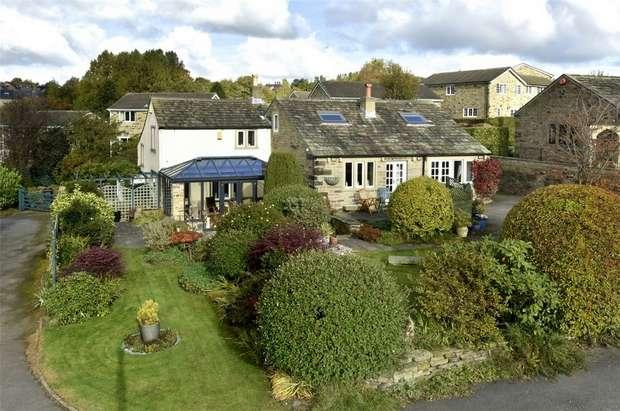 4 Bedrooms Detached House for sale in Rowley Lane, Fenay Bridge, Huddersfield, West Yorkshire