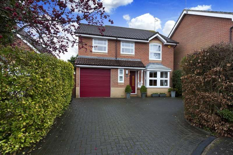4 Bedrooms Detached House for sale in Earles Meadow, Horsham