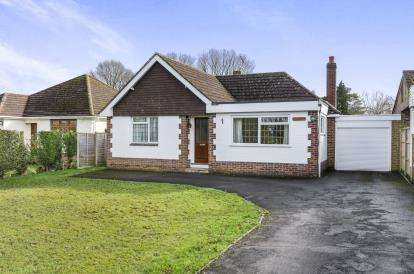 3 Bedrooms Bungalow for sale in Winsor, Southampton, Hampshire