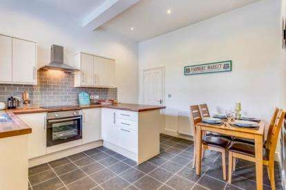 3 Bedrooms Flat for sale in Princetown, Yelverton, Devon