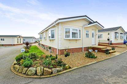 2 Bedrooms Mobile Home for sale in Truro, Cornwall