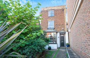 4 Bedrooms Detached House for sale in St. Margarets Banks, High Street, Rochester, Kent