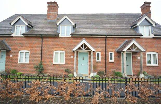 2 Bedrooms Terraced House for sale in Ampfield