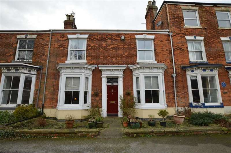 3 Bedrooms Property for sale in Wilton Terrace, Hornsea, East Yorkshire