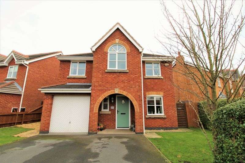 4 Bedrooms Detached House for sale in The Green, Hesketh Bank, Preston