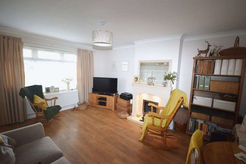 2 Bedrooms Semi Detached Bungalow for sale in Yarmouth Road, Great Sankey