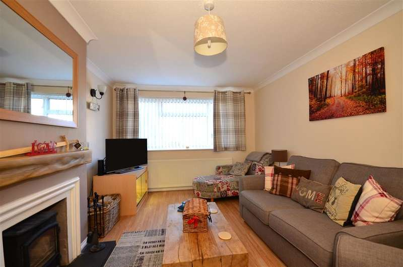2 Bedrooms Semi Detached Bungalow for sale in Bridge Road, Wickford, Essex