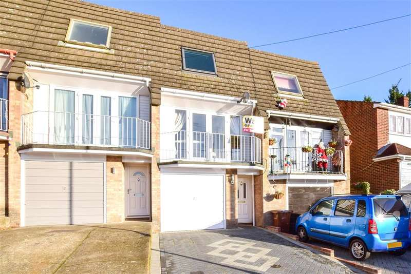 3 Bedrooms Terraced House for sale in Beacon Hill, Chatham, Kent