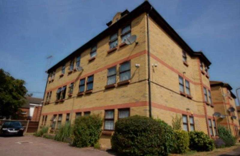 3 Bedrooms Apartment Flat for sale in Shoeburyness