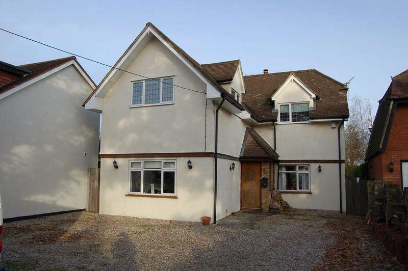 4 Bedrooms Detached House for sale in Brock Hill, Runwell, Wickford