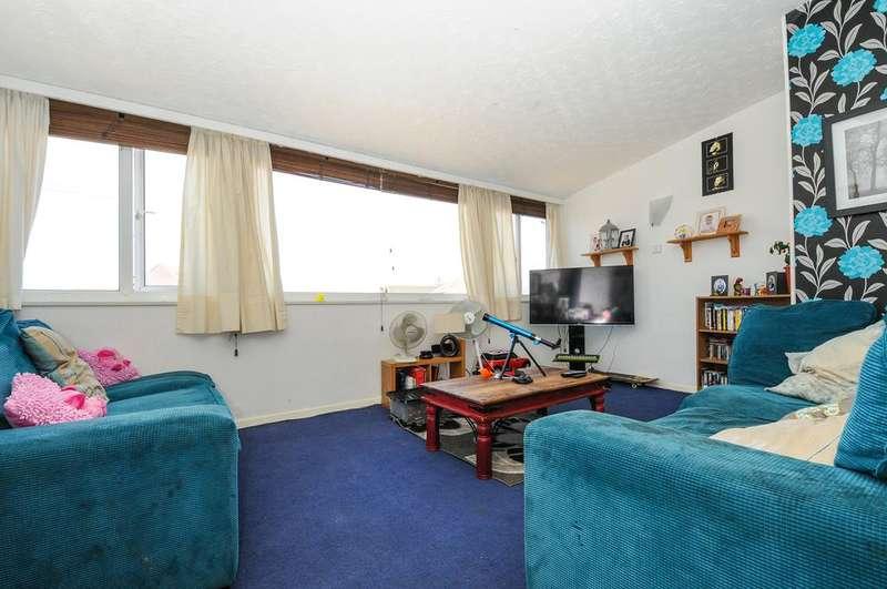2 Bedrooms Flat for sale in Azara Parade, Bracklesham PO20