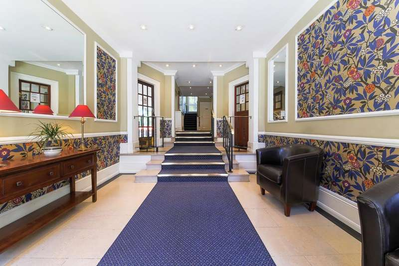 3 Bedrooms Flat for sale in Fulham High Street SW6