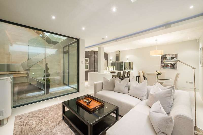 3 Bedrooms Mews House for sale in Ennismore Mews, Knightsbridge SW7