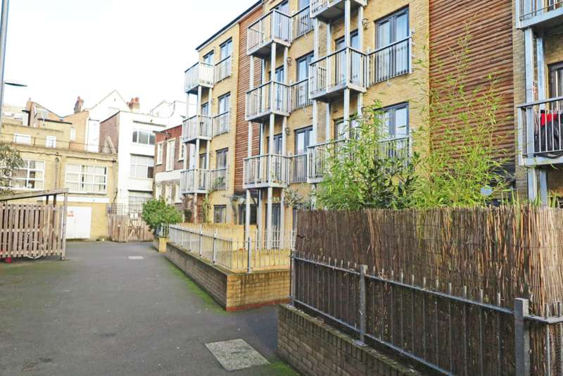 1 Bedroom Apartment Flat for sale in New Road, London E1