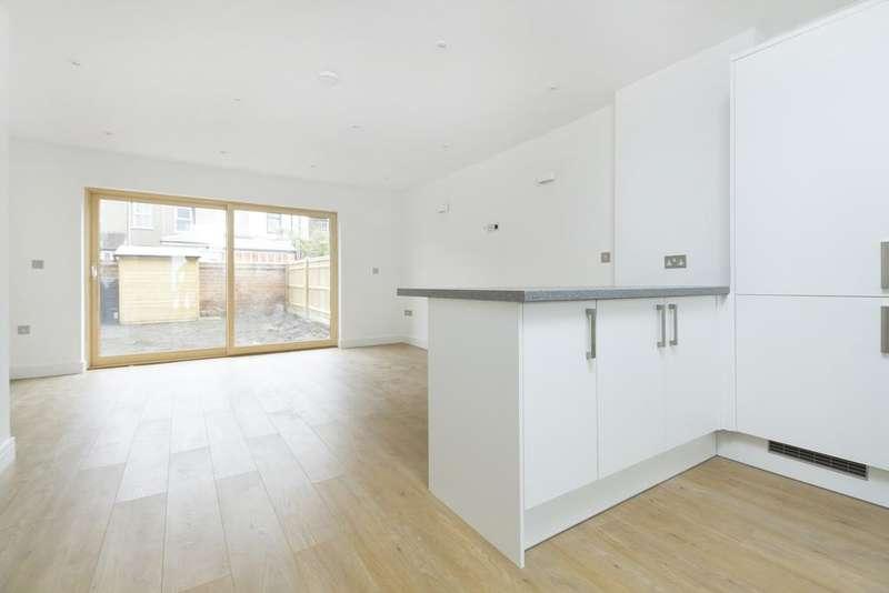 3 Bedrooms Mews House for rent in Manwood Road, Brockley, London SE4