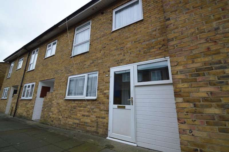 4 Bedrooms Terraced House for sale in Milward Walk, Woolwich SE18