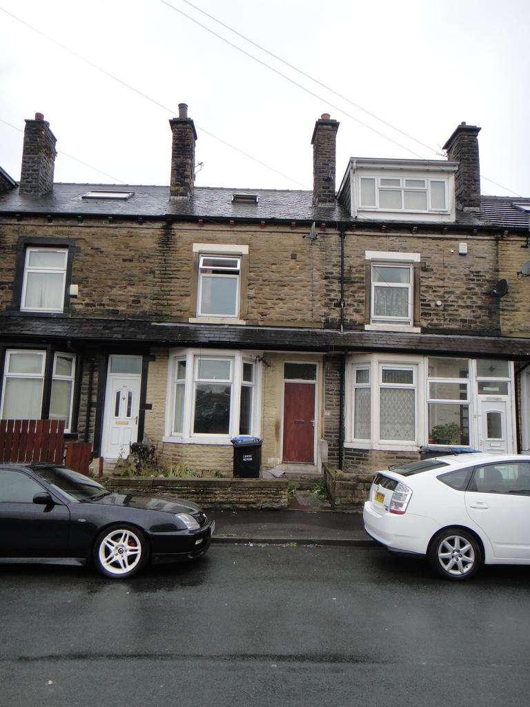 4 Bedrooms Terraced House for sale in Rushton Road, Bradford BD3