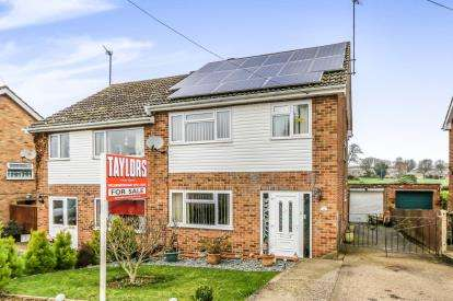 3 Bedrooms Semi Detached House for sale in Steele Road, Wellingborough, Northamptonshire, England