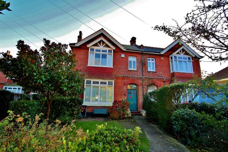 House for sale in Richmond Road, Worthing, BN11