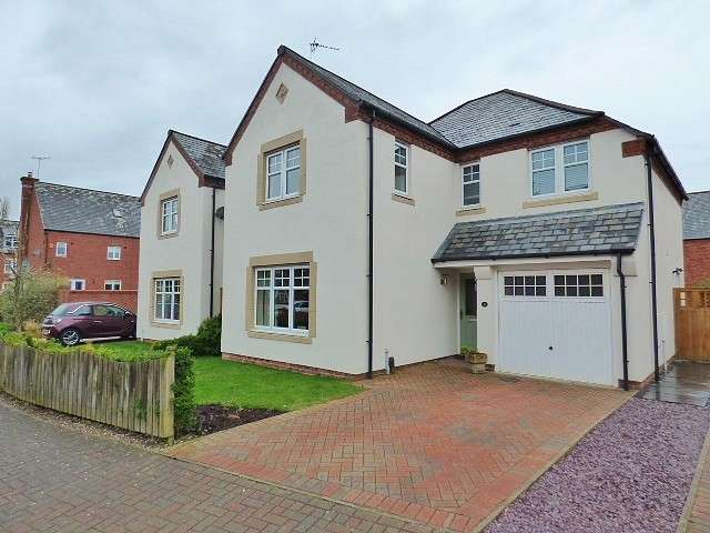 4 Bedrooms Detached House for sale in Stockdale Drive, Whittle Hall, Warrington