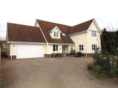 5 Bedrooms Detached House for sale in Banham, Norwich, Norfolk