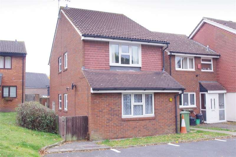 2 Bedrooms Flat for sale in Buttermere Road, ST PAULS CRAY, Kent