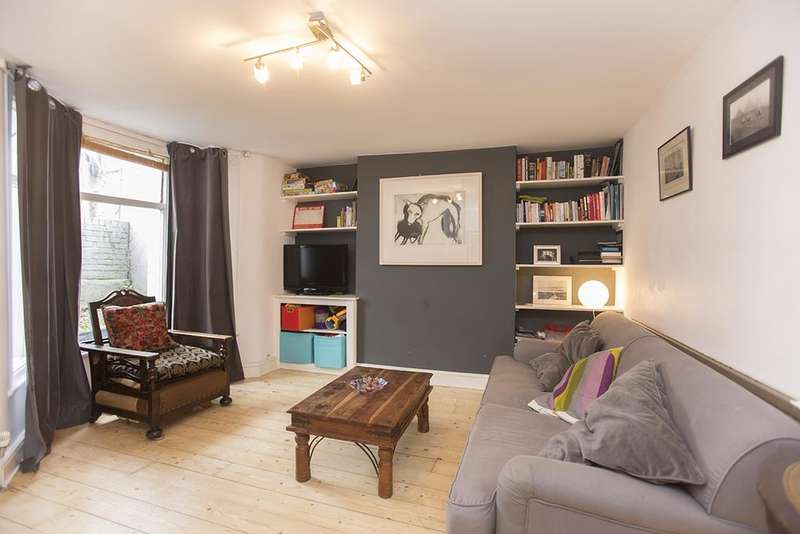 3 Bedrooms House for sale in Lochhurst Street, Hackney, London E5