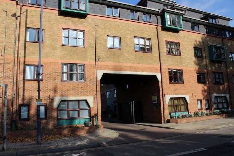 2 Bedrooms Retirement Property for sale in Regents Court, West Street, Gravesend, Kent DA11
