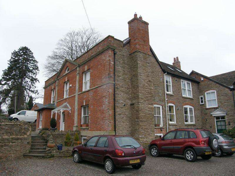 2 Bedrooms Apartment Flat for sale in Apartment 3, The Firs, 100 Old Road, Bromyard HR7
