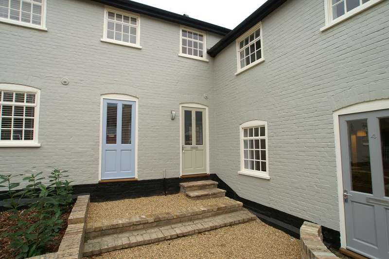 2 Bedrooms Terraced House for sale in Constable Court, Barn Street, Lavenham, Sudbury CO10