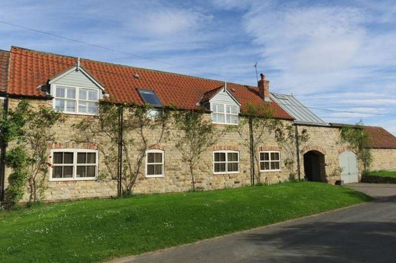 4 Bedrooms Barn Conversion Character Property for sale in The Barn, Burythorpe YO17 9LJ