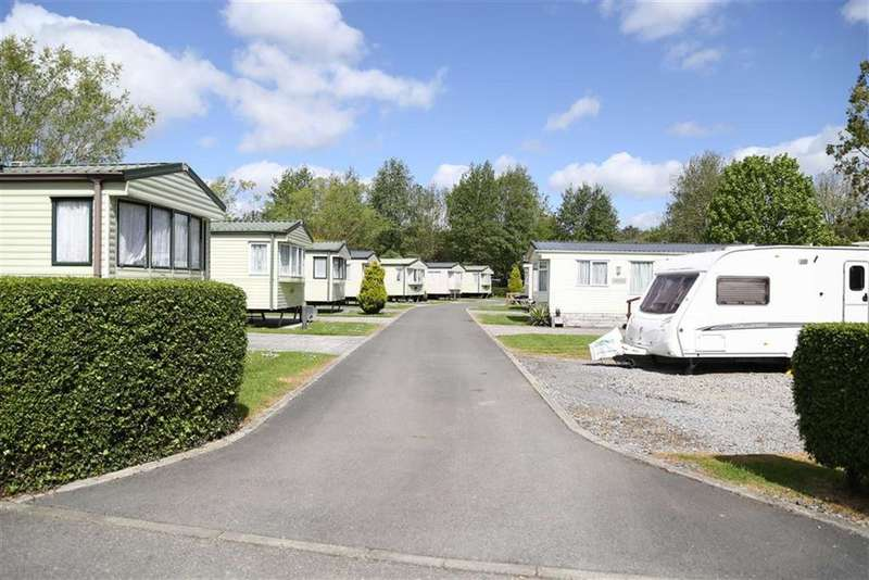 4 Bedrooms Detached House for sale in Bickington, Newton Abbot, Devon, TQ12