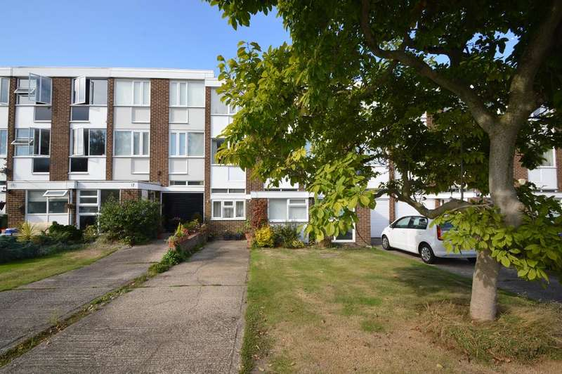 3 Bedrooms Town House for sale in Silver Tree Close, WALTON ON THAMES KT12