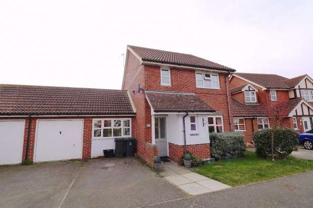 3 Bedrooms Detached House for sale in Clayton Mill Road, Stone Cross, BN24