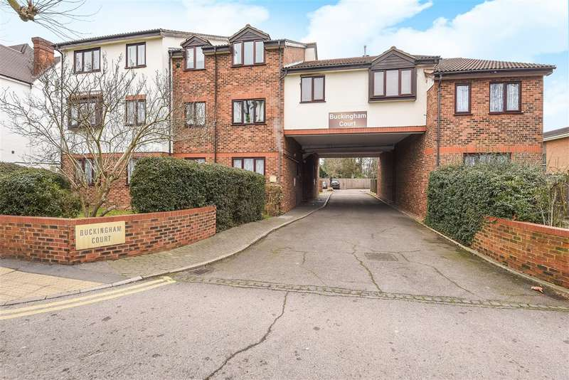 2 Bedrooms Apartment Flat for sale in Buckingham Court, Kingston Road, Staines