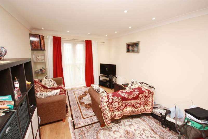 1 Bedroom Flat for sale in Clover House, Gilbert White Close, Perivale UB6