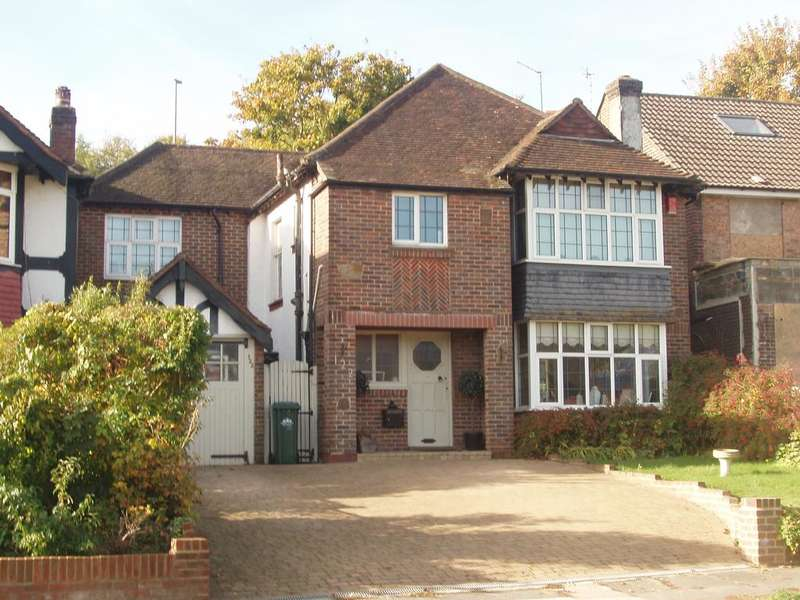 4 Bedrooms Detached House for sale in Goldstone Crescent, Hove BN3