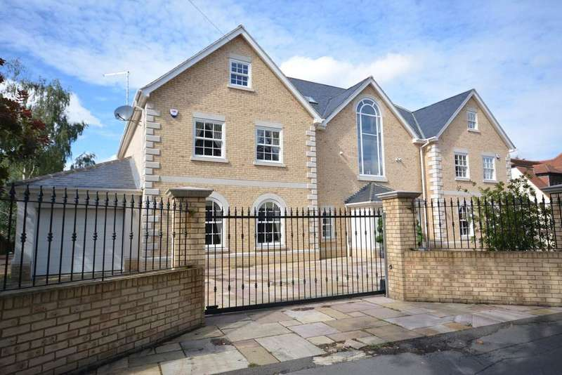 6 Bedrooms Detached House for sale in Elm Grove, Emerson Park, Hornchurch, Essex RM11
