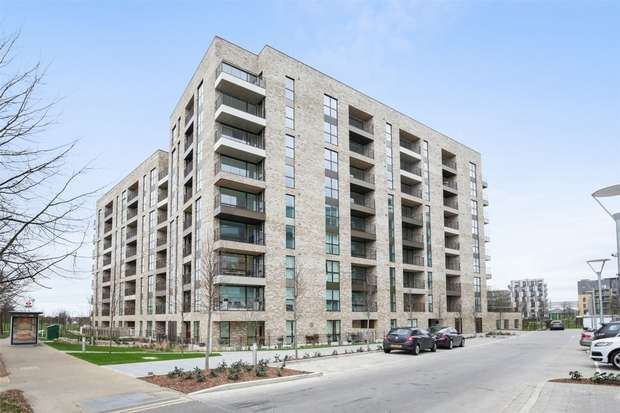 2 Bedrooms Flat for sale in Abbotsford Court, Lakeside Drive, Park Royal